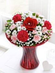 Valentine's Perfect Gift with Chocolates